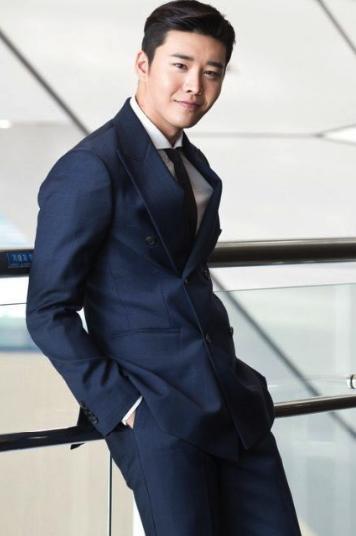 Ким Квон: актер с привлекательной внешностью и потрясающей харизмой!