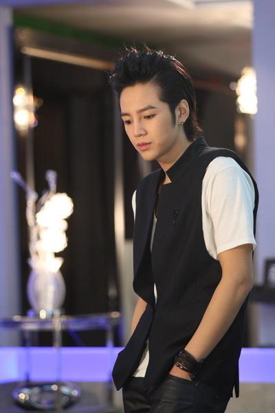 Знаменитый корейский актер и певец Чан Гын Сок