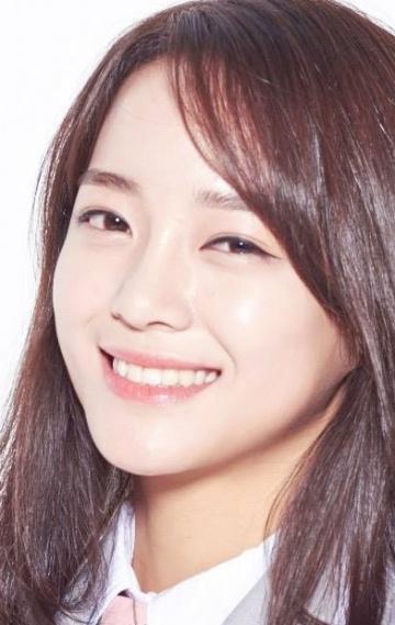 Корейская певица и актриса Ким Сэ Джон