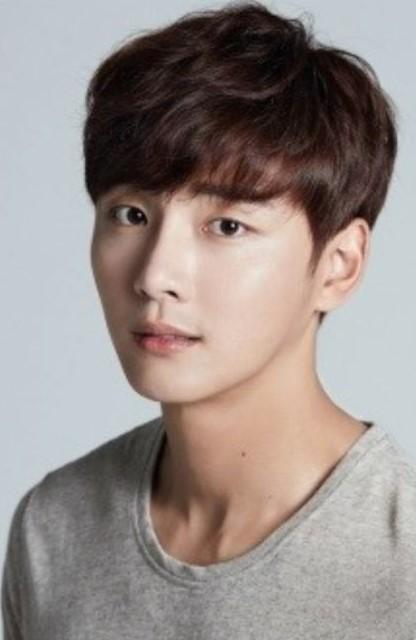 Юн Ши Юн – универсальный актёр с солнечной улыбкой