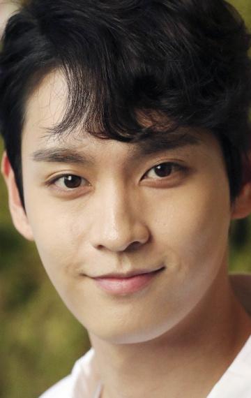 Красавец Чхве Тхэ Джун — все его лучшие роли еще впереди